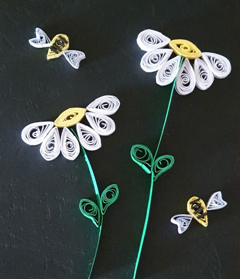 کارت تبریک زنبور و گل سفید