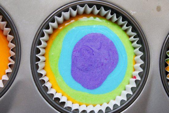 کاپ کیک رنگی رنگی