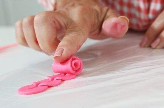 گل رز با خمیر پلیمری